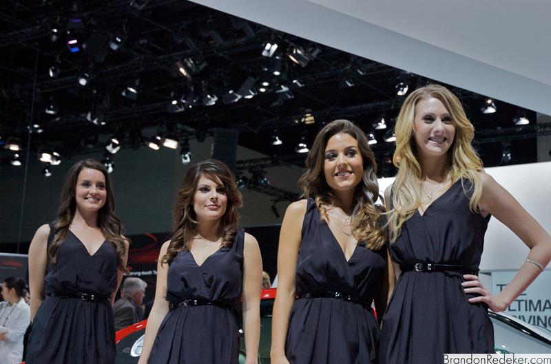 LA Auto Show 2009: LA Girls